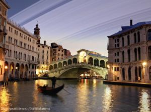 Uno scorcio di Venezia se la Terra avesse gli anelli come Saturno. Una creazione SpeakScience per OcchiSuSaturno 2015. Immagine originale.